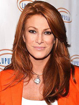 angie-everhart-net-worth